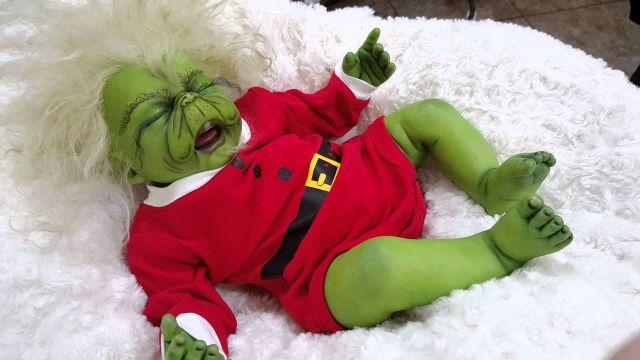 imagenes del grinch bebe con ternura
